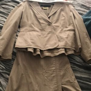 Perfect spring 2pc women's work suit.